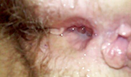 ASMR afeitado coño y masturbación con aceite orgias veteranas y consolador