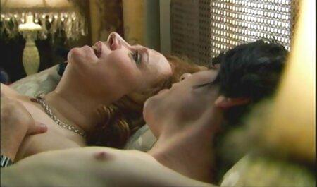 Linda latina juega pelis porno orgias con su culo