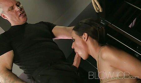 Nerd alemán se folla a peliculas porno orgias familiares una perra rubia extremadamente caliente